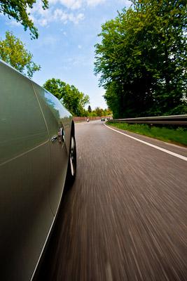 Fruehlingsgefuehle beim Cabrio-fahren